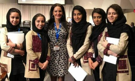 Talibanii, la un pas de o mare greșeală. Cum au fost salvate 10 eleve din Afganistan
