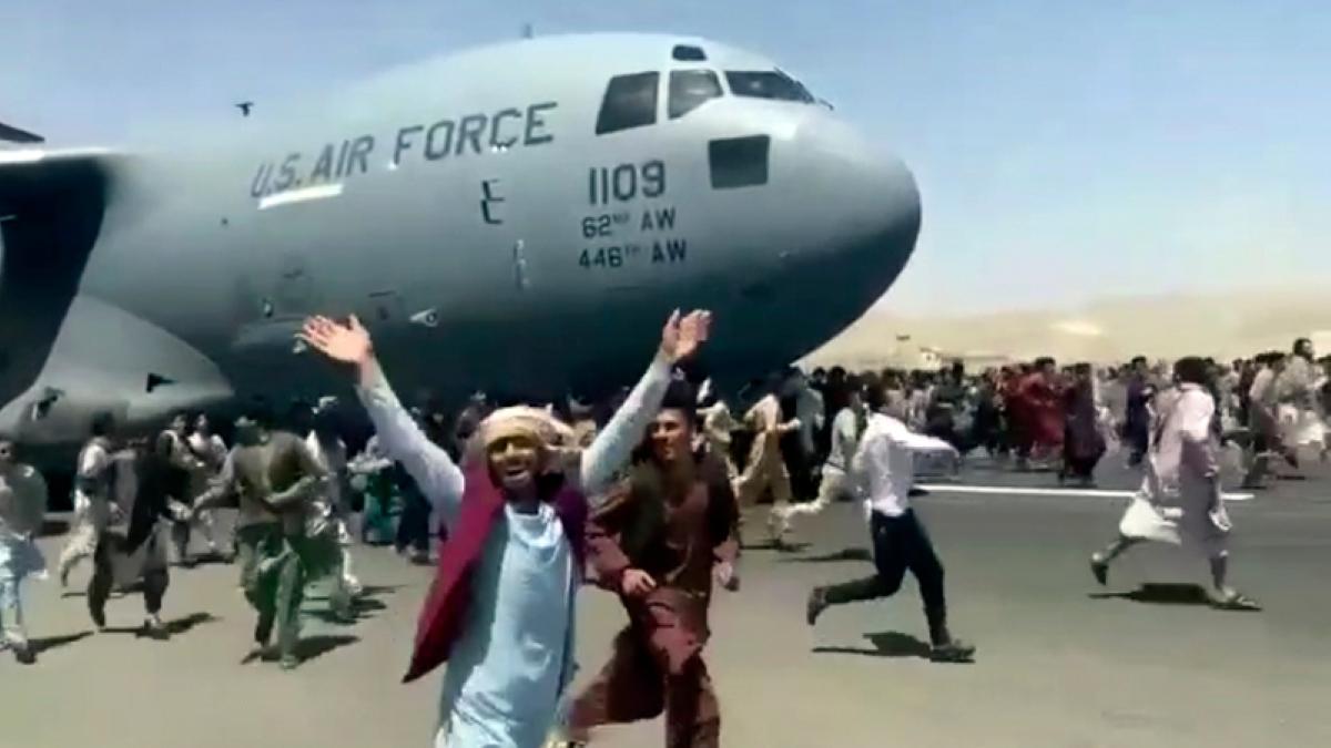 Ministru german acuză talibanii de obstrucţionarea accesului la aeroportul din Kabul pentru afgani