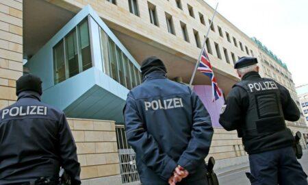 Angajat al Ambasadei Regatului Unit la Berlin, arestat de germani. Acuzați - spionaj pentru Rusia.