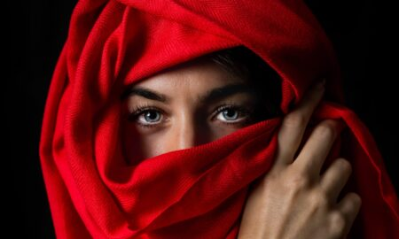 29 de reguli care le îngrozesc pe femeile din Afganistan. Ce este legea Sharia și cum se aplică!