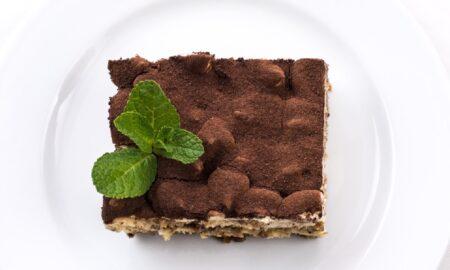 Rețeta clasică de TIRAMISU, desert savuros cu mascarpone și cafea