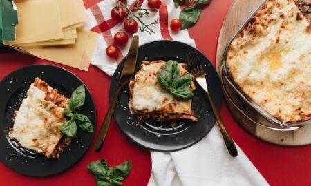 Cea mai bună rețetă de lasagna. Este gustoasă și ușor de pregătit!