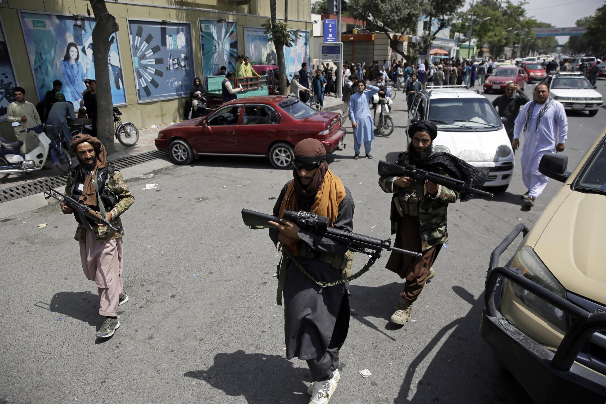 Schimb de focuri violent pe aeroportul din Kabul. Forțe americane, germane și afgane, implicate