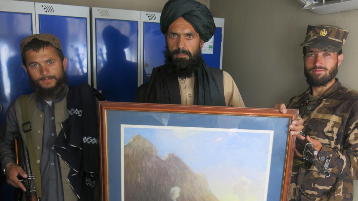Angajaţi afgani puși în pericol de represalii datorită neatenției ambasadei britanice din Kabul