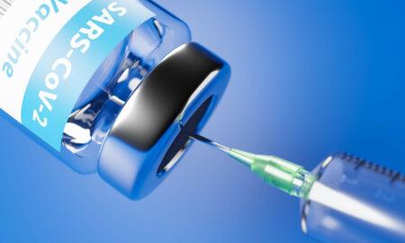 Pfizer recunoaște că vaccinul are efecte secundare. Atenționarea a fost făcută în prospect