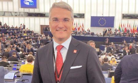 Dragoș Pâslaru, despre premier: Este ca în acea poveste cu Niculăiță Minciună