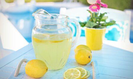 Consum zilnic de limonadă nu ar oferi beneficii pentru sănătate: 6 mituri spulberate