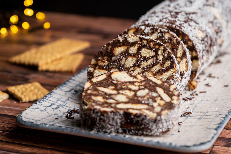 Salam de biscuiți ca la bunica. Cum prepari rețeta celui mai îndrăgit desert din copilărie