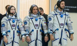 Cineaști ruși, pregătiți să decoleze. Vor filma pe Stația Spațială Internațională
