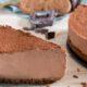 Rețeta originală de Cheesecake cu ciocolată. Află cum se prepară, pas cu pas, cel mai popular desert din lume
