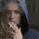 Studiu: S-a descoperit de ce femeile renunță mai greu la fumat decât bărbații