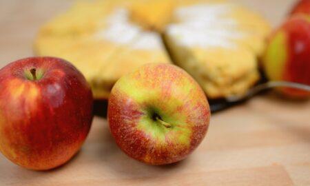 Omletă cu mere, rețeta neobișnuită, delicioasă și dietetică.  100 de calorii pentru o porție