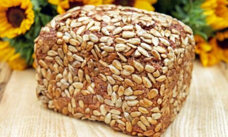 Cum să faci pâine săracă în carbohidrați. DOUĂ super rețete