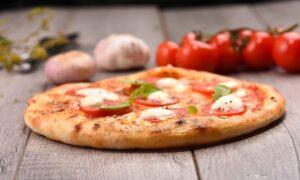 Cea mai simplă rețetă de pizza! Se face rapid și este o încântare pentru întreaga familie