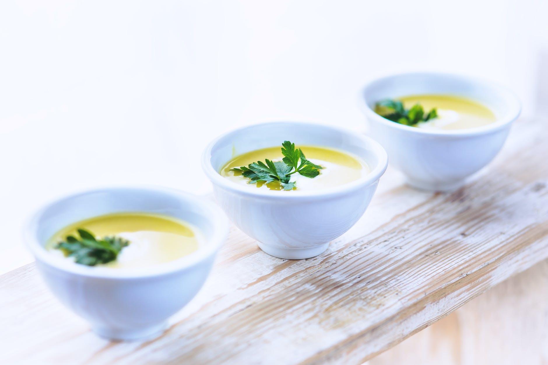 Supă delicioasă de cartofi cu praz. Oferă organismului antioxidanți și substanțe nutritive de calitate